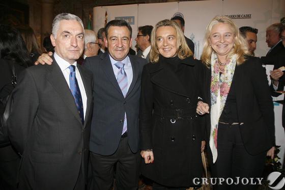 José Loaiza con Mercedes Colombo, José Luis Medina y Paloma Bordons  Foto: Joaquin Pino