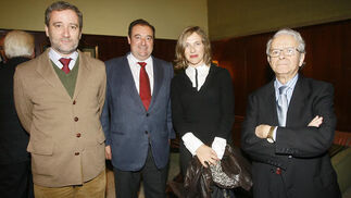 Carlos Alarcón, Tomás Valiente, Lourdes Acosta, directora de Radio Cádiz, e Ildefonso Marqués  Foto: Joaquin Pino