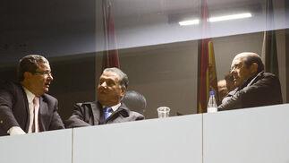Los presidentes de ambos equipos, Juan José Pina y Manuel Llorente.   Foto: Joaquin Pino