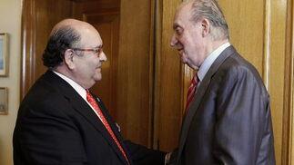El rey Juan Carlos recibe a Enrique Álvarez, diputado de Foro de Ciudadanos  Foto: EFE