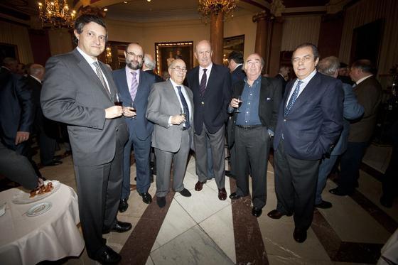 Fernando Rovira, Santiago Blasco, Faustino Rodríguez, Carlos Gutiérrez, José Oneto y Vicente Oliva.   Foto: Alberto Morales