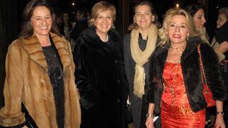 Lilo Fernández-Escandón; Ascensión Paniagua, María Ángeles Jiménez y Ascensión Gómez, psicóloga.  Foto: Victoria Ramírez