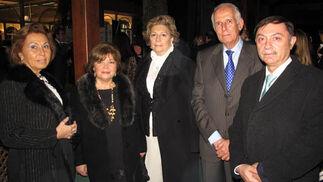 María Ángeles Peña, María Julia Marín, Carmen Ribett, Francisco Roldán y el general Juan Antonio Carrasco, director de Enseñanza del Ejército del Aire.  Foto: Victoria Ramírez