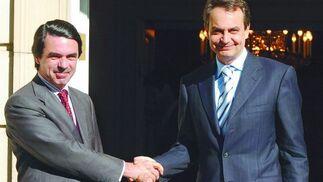 25 de marzo de 2004: Aznar se reúne con Zapatero para ultimar el traspaso de poderes.  Foto: EFE