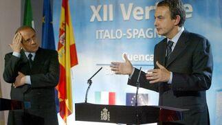 30 de noviembre de 2004: Primer encuentro entre Zapatero y Berlusconi, primer ministro italiano.  Foto: AFP