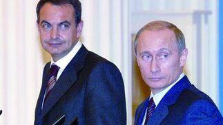 10 de diciembre de 2004: Visita del presidente del Gobierno español, Jose Luis Rodríguez Zapatero,  a Moscú junto a Vladimir Putin, Presidente de Rusia  Foto: EFE
