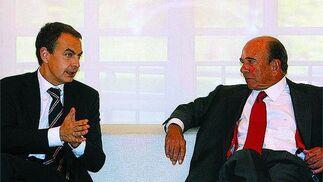 11 de noviembre de 2008: Zapatero recibe al presidente del Banco Santander, Emilio Botín.  Foto: EFE