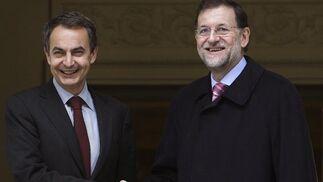 16 de diciembre de 2011: Zapatero recibe a Rajoy para ultimar el traspaso de poderes.  Foto: EFE