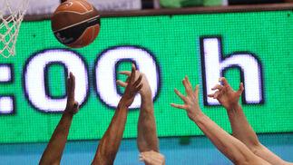 El equipo de Chus Mateo salió vivo para firmar su novena victoria de la temporada  Foto: Migue Fernandez