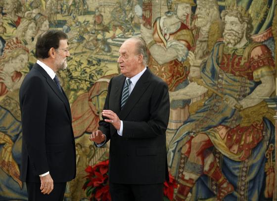 El presidente del Gobierno despacha con don Juan Carlos. / EFE
