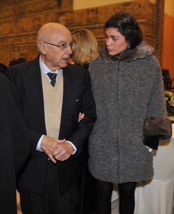 Manuel Clavero junto a su nieta Mercedes Luque.   Foto: Antonio Pizarro / Juan Carlos Vázquez / Victoria Hidalgo / Manuel Gómez