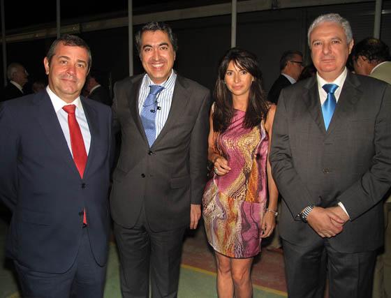 Francisco Muñoz, jefe de estudios de EUSA; José María Márquez, ex alumno y profesor, Reyes Zaldívar y Francisco Guerrero, director del Centro EUSA.  Foto: Victoria Ramírez