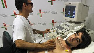 Beñat, durante el respectivo reconocimiento médico.  Foto: Manuel Gómez