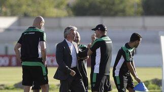El presidente Miguel Guillén asiste al primer entrenamiento.  Foto: Antonio Pizarro