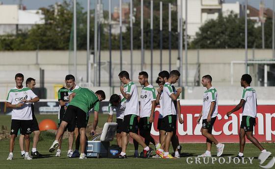 Primer entrenamiento de la temporada en la ciudad deportiva.  Foto: Antonio Pizarro