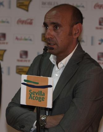 El representante del jugador, Bryan Rabello.  Foto: José Ángel García