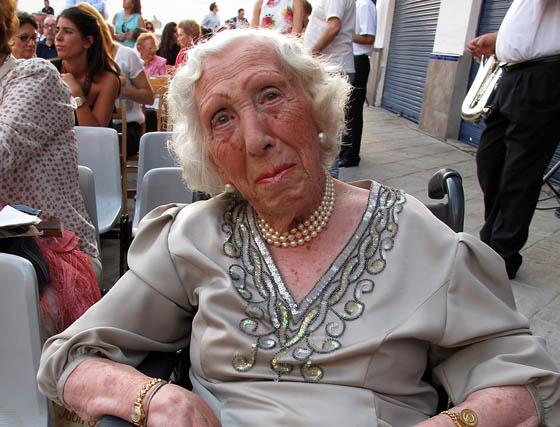 Natividad Pérez Vallejo, de 96 años de edad, trianera de honor.  Foto: Victoria Ramírez