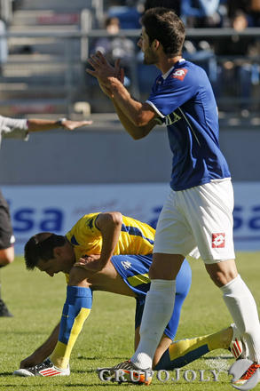 Belencoso se duele del pie.   Foto: Julio Gonzalez
