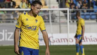El gesto del delantero refleja la impotencia de los amarillos.   Foto: Julio Gonzalez