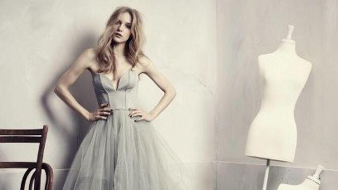 a5bb2d0b08 Una de los vestidos de la colección sostenible Conscious Exclusive de H M.