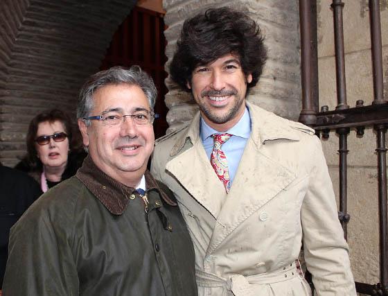 Juan Ignacio Zoido, alcalde de Sevilla, con el cantaor Manuel Lombo.  Foto: Victoria Ramírez