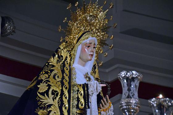 Muchos cofrades consideraron temerario que La Soledad procesionara  Foto: Manuel Aranda· Manu Garcia