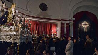 La Virgen de Loreto, en el interior de su templo, tras anunciar la junta que no saldría la cofradía.  Foto: Manuel Aranda· Manu Garcia