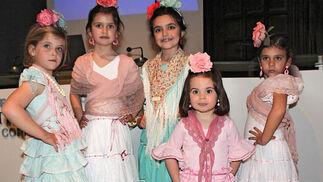 Niñas con vestidos de flamenca de la diseñadora Marta Arroyo.  Foto: Victoria Ramírez