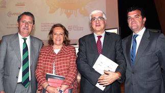 Jesús Maza (Corporación de Empresas Municipales),Concha Yoldi (Persan, José Ramón Becares) (Dopp Consultores)  y Jesús Borjabad (Ernst & Young).  Foto: Victoria Ramírez