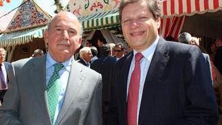 Julio Cuesta, presidente de la Fundación Cruzcampo, con Marc Kostes (Heineken).  Foto: Victoria Ramirez