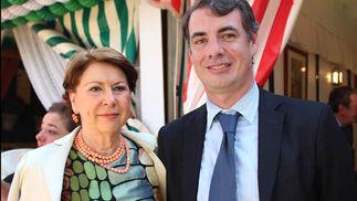 La ex ministra de Fomento Magdalena Álvarez, con el secretario de Innovación de la Junta, Vicente Fernández Guerrero.  Foto: Victoria Ramirez
