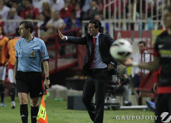 Emery, en un momento del partido contra el Atlético. / Antonio Pizarro