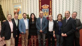 Una foto de la familia andalucista, con alcaldes y concejales de otros municipios como Villamartín y Los Barrios.  Foto: Fito Carreto