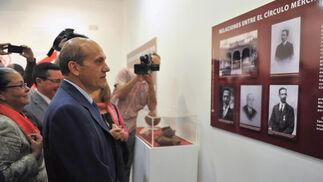 El Sevilla rememora sus inicios con una exposición en el Círculo Mercantil por los 100 años del primer campo oficial donde jugó.  Foto: Juan Carlos Vázquez