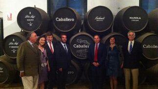 La alcaldesa de Logroño y el presidente del Consejo de Rioja, junto a los responsables del Grupo Caballero.  Foto: Andres Mora - Fito Carreto