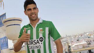 """Juanfran: """"Estar en el Betis no lo cambio ahora por nada en el mundo"""""""