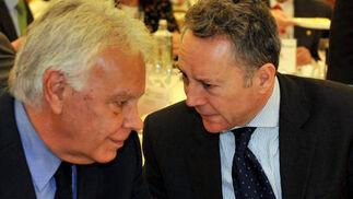 Felipe González con José Joly.  Foto: Juan Carlos Vázquez / Belén Vargas/ Manuel Gómez