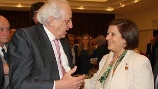 Enrique Ruiz, con la consejera de Igualdad, Salud y Políticas Sociales, María José Sánchez Rubio.  Foto: Juan Carlos Vázquez / Belén Vargas/ Manuel Gómez