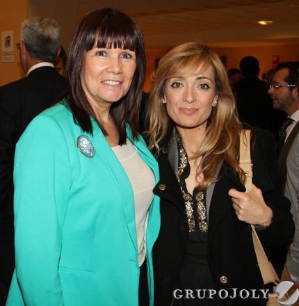 La presidenta del PSOE andaluz, Micaela Navarro, y la secretaria de UGT de Andalucía, Carmen Castilla.  Foto: Juan Carlos Vázquez / Belén Vargas/ Manuel Gómez