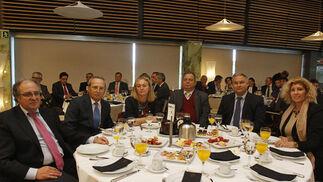 Manuel Sánchez Fernández, Joaquín Nieto, Concha Ribelles, José Ramón Zamora, Domingo Villero y Manuel Aguilera.  Foto: Joaquín Pino · Lourdes de Vicente