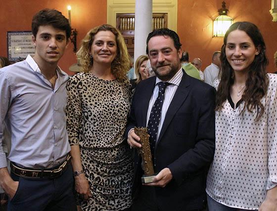 Rafa Serna con su esposa Magdalena Lirola y sus hijos Rafael y María Eugenia.  Foto: Victoria Ramírez