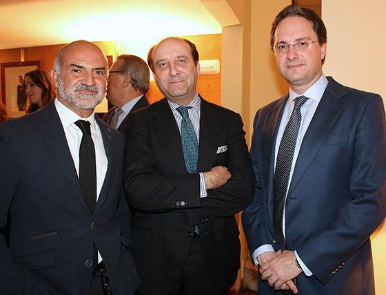 Alfonso Rodríguez 'El Cani', el abogado Joaquín Moeckel y José Enrique Moreno.  Foto: Victoria Ramírez