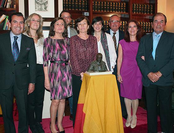 Las familias Vázquez y Miura: Manolo, Inma, Carolina y Remedín Vázquez Gago y Reyes, Loli, Eduardo y Antonio Miura.  Foto: Victoria Ramírez