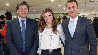 Luis Pérez, director de Innovación de Cartuja 93; Pilar Cebolla, directora financiera de Biomedal, y Ángel Márquez, gerente de Kronia.  Foto: Victoria Ramírez
