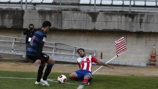 El Algeciras cae ante el Granada B (1-2) y no escapa del peligro a falta de tres jornadas  Foto: Erasmo Fenoy