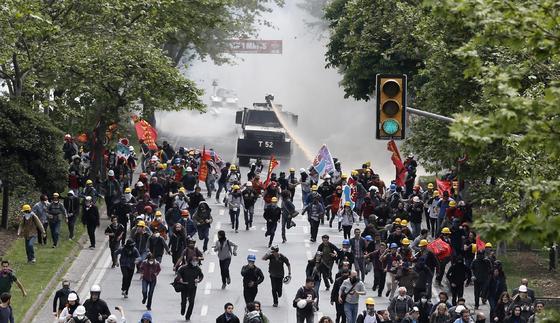 Manifestación del Primero de Mayo en Estambul.  Foto: EFE