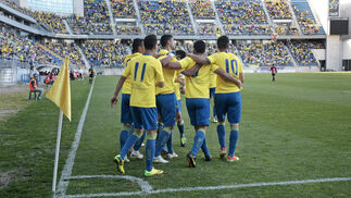 El Cádiz golea a La Roda (4-1) y vuelve al cuarto puesto gracias a la derrota del Guadalajara  Foto: Fito Carreto