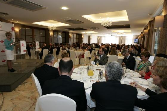 EL Gran Hotel contó con más de 370 personas que acudieron a escuchar la conferencia de Elena Víboras  Foto: Javier Alonso / Rafael G.