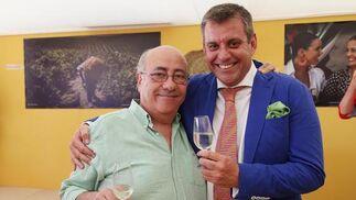 El hostelero Faustino Rodríguez y Antonio Recioy, de la empresa grupo Recicab  Foto: Vanesa Lobo