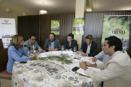 Romero interviene durante la mesa redonda, celebrada en el Hotel Mirador.   Foto: José Martínez